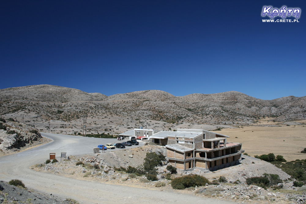 View of the taverna on the Nida Plateau
