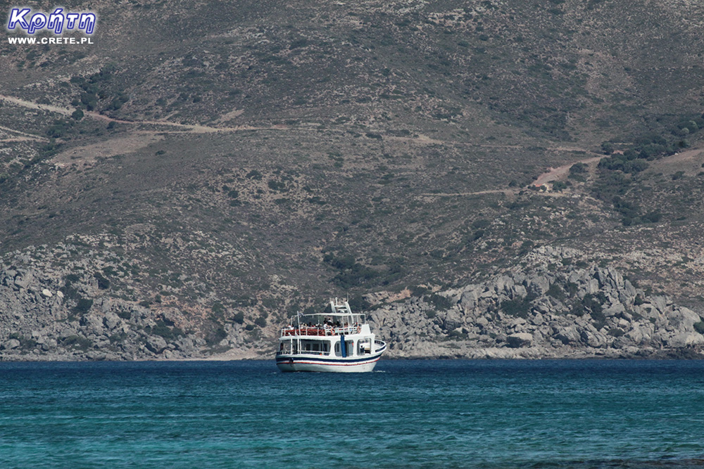 A small ship sailing to the beach of Elafonissi