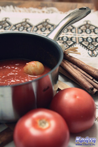 A simple tomato sauce in Greek