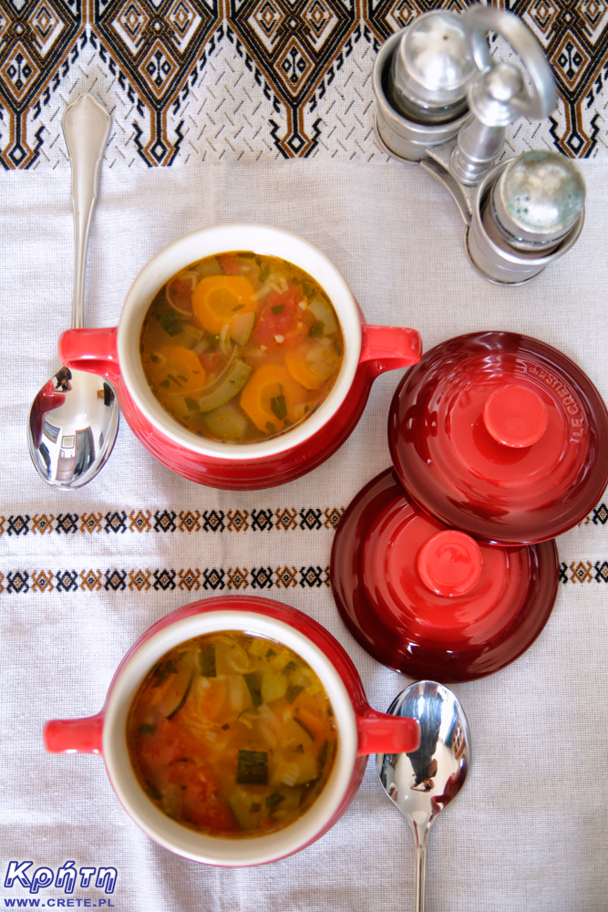 Vegetable soup with xinochondros